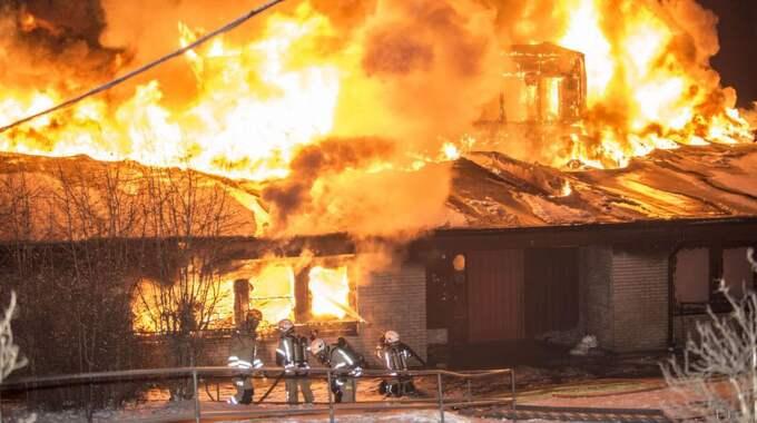 Tre unga män har erkänt att de orsakade branden. – Men de har inget uppsåt, det är olyckliga omständigheter, säger Tore Persson vid polisens krimjour. Foto: David Harseth/Dagsmedia.Se/60892