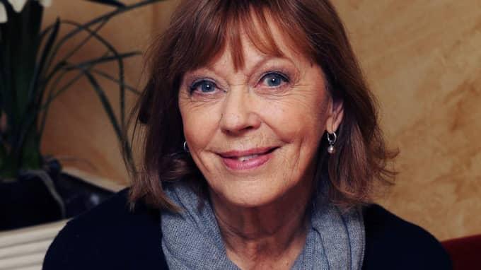 """Lill Lindfors är 75 år, men inte trött på teaterlivet för det. """"Varje kväll jag spelar på teatern går jag dit med glädje"""", säger hon. Foto: Cornelia Nordström"""