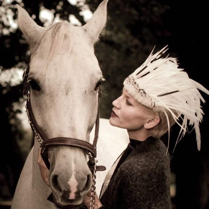 Om bara timmar stängs svenska modellen Anna-Marias respirator av.
