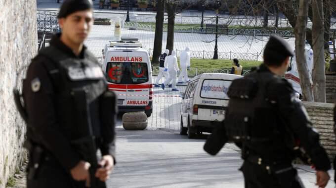Polis har spärrat av ett stort område i staden. Foto: Emrah Gurel