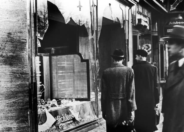 Nazisterna marscherade och sjöng om att döda judar