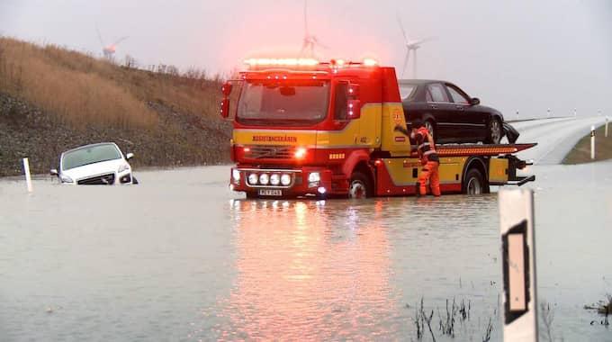 """""""Det måste vara en meter vatten nästan"""", uppskattar KvP:s fotograf på platsen. Foto: Mikael Nilsson"""