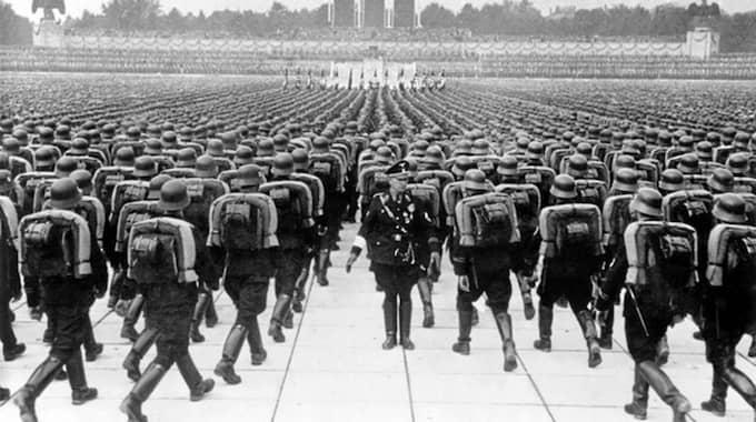 """Nazisterna firar """"Reichsparteitag"""" i Nürnberg 1937, en årlig manifestation som kunde ha en miljon deltagare. Foto: EVERETT HISTORICAL/SHUTTERSTOCK"""