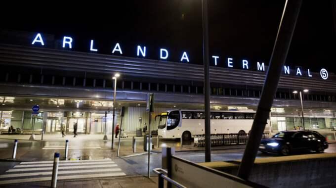 Personal på Arlanda flygplats hittade under förmiddagen en man i en fraktcontainer. Bilden är från ett annat tillfälle. Foto: Lisa Mattisson