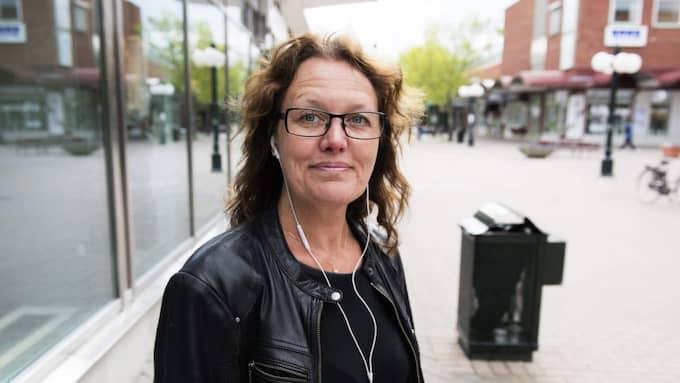Mia Larsson, 47, specialpedagog, Stråtjära: – Misstänker man brott så är det bra att det utreds. Finns det organiserad brottslighet så är det ju dåligt för de som behöver tigga. Foto: Anna-Karin Nilsson