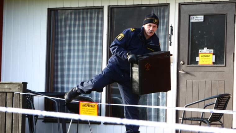 Efter det misstänkta mordet sökte polisens tekniker igenom området där personen ska ha dödats. Foto: Jens Christian