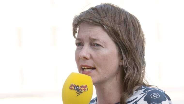 EU-parlamentarikern Malin Björk (V) från Göteborg hade precis passerat tullkontrollen på flygplatsen i Bryssel när flera explosioner detonerade. Foto: Sven Lindwall