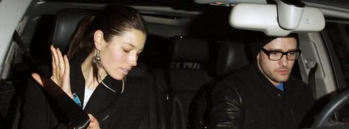 Jessica Biel och Justin Timberlake på från en middag i Los Angeles. En uppgiftslämnare säger nu till People.com att kändisparet ska gifta sig i sommar.