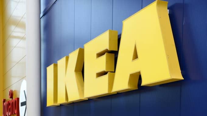 Någon kastade in en rökgranat på Ikea i Karlstad. Foto: Anders Wiklund/Tt