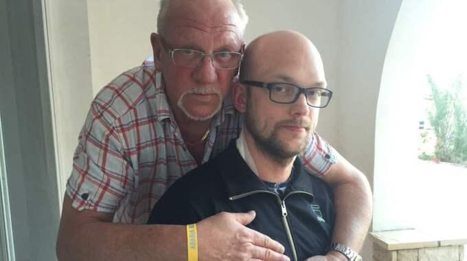 Han låg i en blodpöl. Jag sa till honom att bara ligga still, berättade Sammies pappa Jan-Eric Olovsson för Expressen kort efter fredagens dramatiska händelse. Foto: Kassem Hamadé
