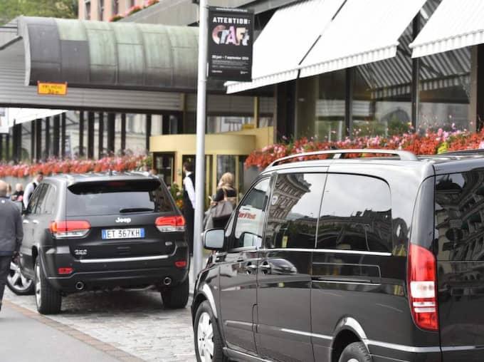 Rolling Stones landade på Arlanda flygplats strax efter 18-tiden på söndagskvällen. Därefter åkte de direkt till hotellet. Foto: Stefan Söderström