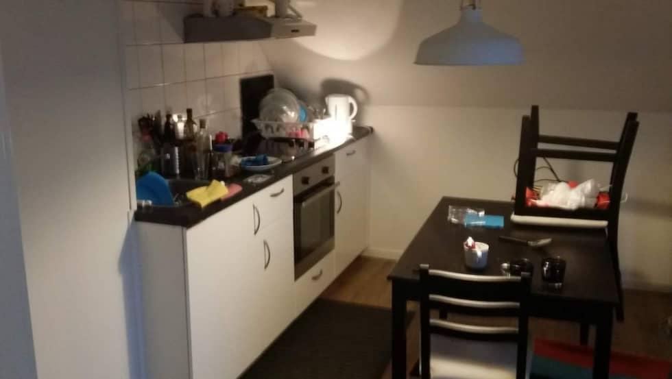 Enrumslägenhet i Mölndal Mindre kök med plats för köksbord Soffa och platt-tv Tillsyn tre gånger i veckan
