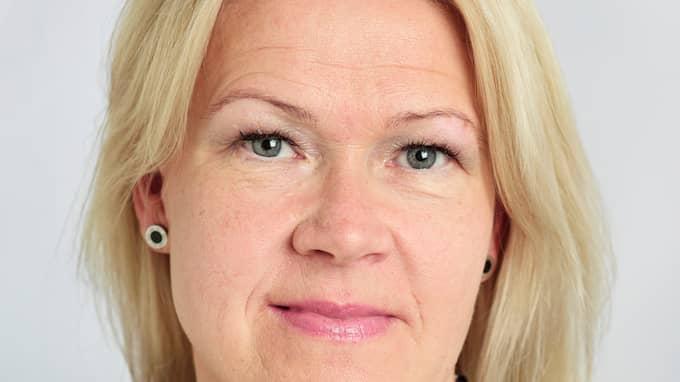 """Swedbanks presskontakt Anette Ringius uppmanar svenskar att inte lämna ut bank- och kontouppgifter över telefon: """"Vi som bank ber aldrig våra kunder om lösenord""""."""