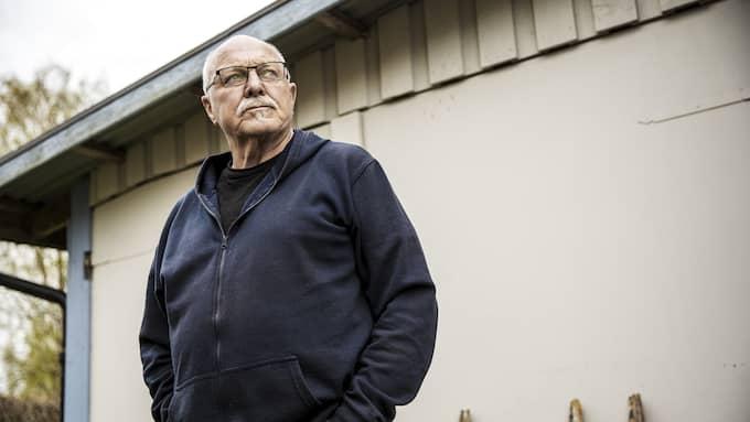 Samma natt som Göran Jonassons granne fick sitt hus eldhärjat försökte någon tända eld på hans soptunna. Foto: HENRIK JANSSON