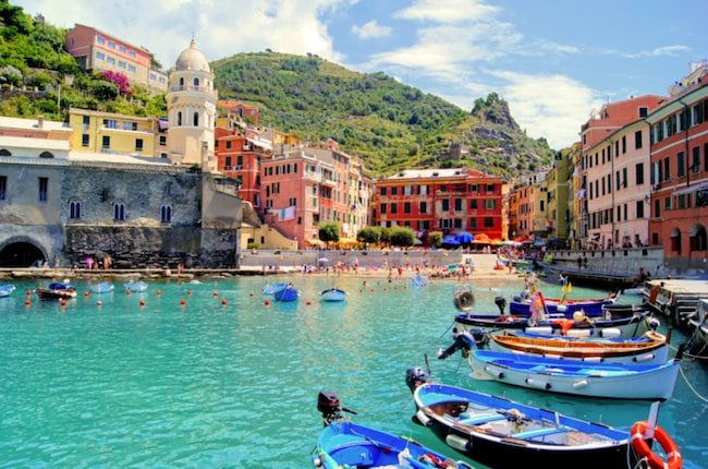 <span>Under 2015 besökte 2,5 miljoner turister de små fiskebyarna.</span>