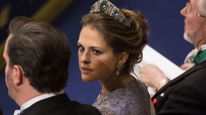 In i det sista har prinsessan Madeleine varit missnöjd med sin klänning i år. Foto: David Sica / STELLA PICTURES