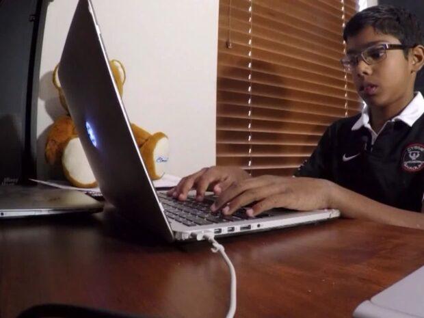 Elvaåring lär cyberexperter hur leksaker kan bli spionverktyg
