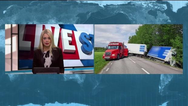 Totalstopp på vägen efter lastbilskrasch