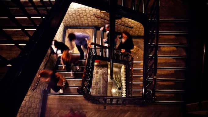 Mannen föll från fjärde våningen genom trapphuset och slog i huvudet. Bilden är från ett annat tillfälle. Foto: Lisa Irvall