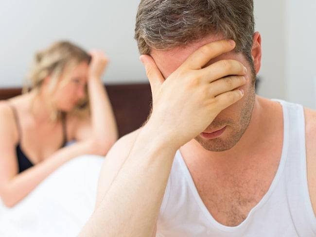 Karls flickvän misstänker att han är otrogen så fort han inte vill ha sex.