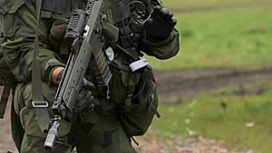Militären hade tagit hem ammunition efter skjutövningar med bland annat AK5, vilket är förbjudet. Det upptäcktes när han blev misstänkt för koppleri. Foto: Försvarsmakten