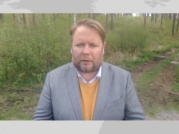"""Fredrik Sjöshult: """"Mamman svartklädd och tittade ner i bordet"""""""