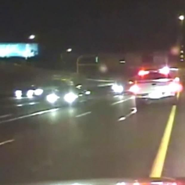 Han kör berusad mot trafiken på motorvägen
