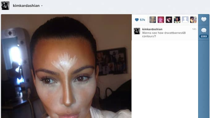 Kim Kardashian visar upp sina make up-färdigheter. Foto: INSTAGRAM/SPLASH NEWS / ALL OVER PRESS