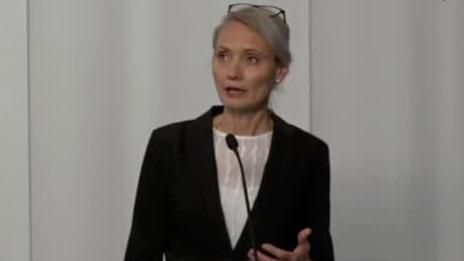 Beskedet: Personer med antikroppar får umgås med personer i riskgrupp