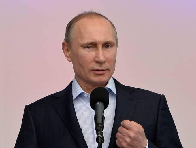 Rysslands president Vladimir Putin avbildas nu som buttplug i en protest mot Rysslands anti-gay lagar. Foto: Pascal Le Segretain