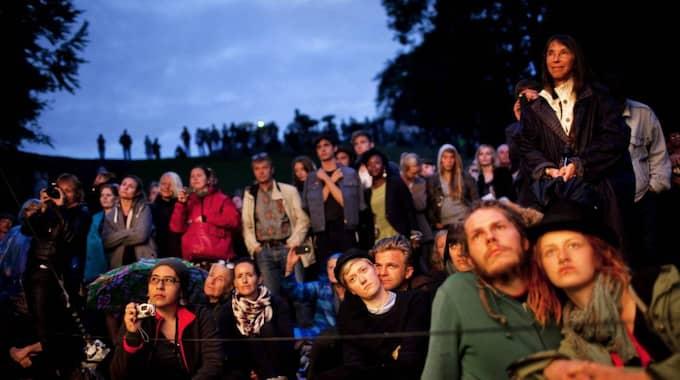 Andäktig publik på Köpenhamns litteraturgata. Foto: Lærke Posselt