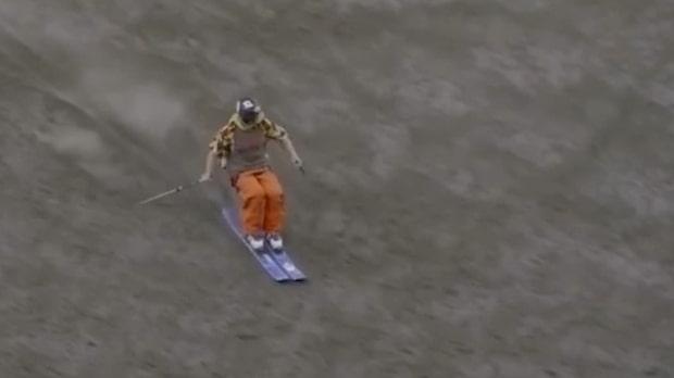 Sam Smoothy åker skidor nerför aktiv vulkan