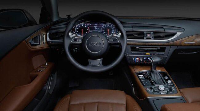"""Audi A7. """"Dramatisk inbjudande inredning och intuitiva kontroller"""""""