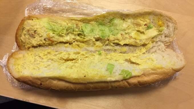Den smörgås som poliserna först serverades. Foto: Privat