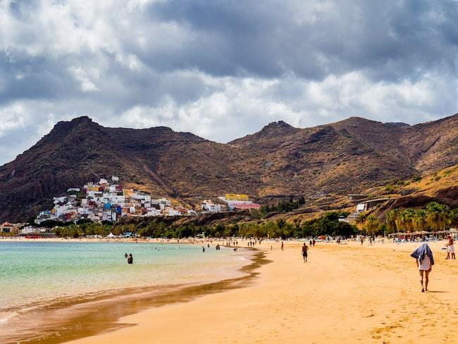 Teneriffas stränder lockar många turister till Kanarieöarna.