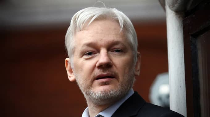 Julian Assange. Foto: Carl Court / GETTY IMAGES GETTY IMAGES EUROPE