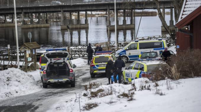 Här söker polisen efter Joel. Foto: Niklas Hagman