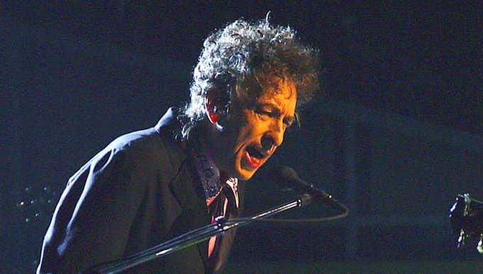 Han tilldelas priset för att ha skapat nya poetiska uttryck inom den stora amerikanska sångtraditionen. Foto: Dean Cox / AP