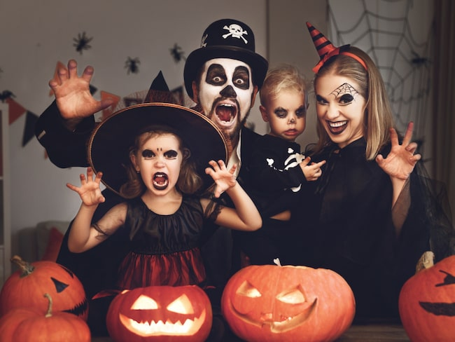 Halloween infaller enligt traditionen den 31 oktober.