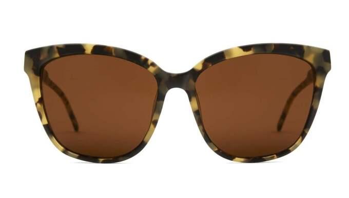 Fläckiga solglasögon från Kaibosh, 850 kronor.