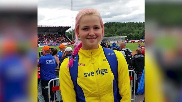 Emma, 20, hyllas för sitt efternamn i USA