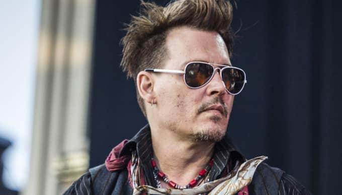 """Johnny Depp syns på foton tillsammans med svenska bloggaren Desirée """"Dessie"""" Nilsson. Foto: Pelle T Nilsson 1 / STELLA PICTURES PELLE T NILSSON"""