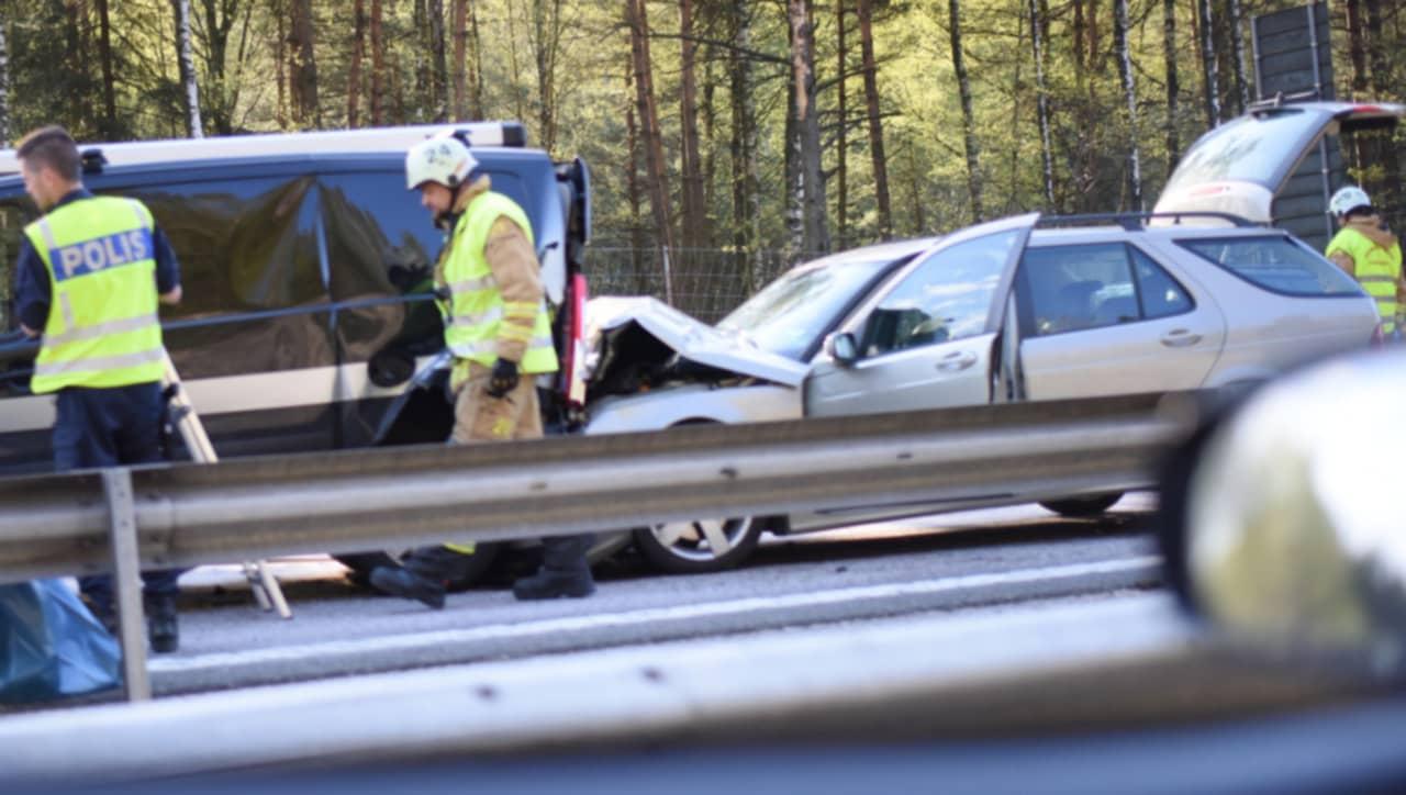 Trafikolycka pa e6 vid rastplats sandsjobacka
