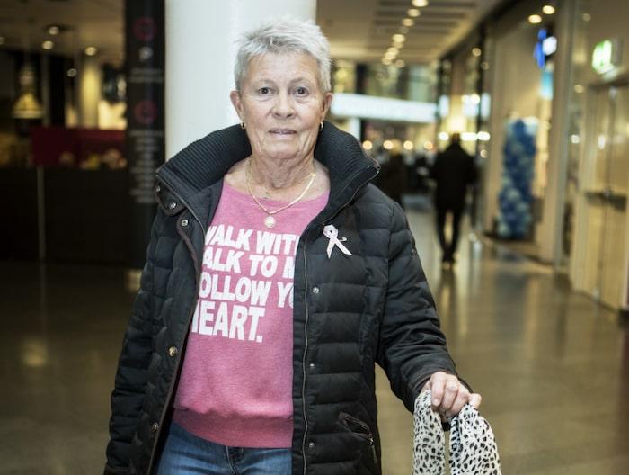 """<strong>FRÅGA: Är du orolig för demenssjukdom?<br>Ingrid Broström, 78, Stockholm:</strong><br>""""Nej, jag tänker inte på det. Jag har fullt upp med både aktiviteter, gympa, träna och är med i två bowlingklubbar. Så jag sysselsätter mig och håller mig friskt samt jobbar på förmiddagarna, sitter i receptionen. Man håller i gång hjärnan speciellt under bowlingen när man träffar folk hela tiden. Min väninna hade en annan typ av alzheimer och hade det i nio år, hon dog nyligen. Det är det enda jag vet men mina andra vänner och jag är friska."""""""