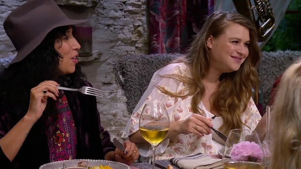 """Hör sexfrågan mitt under lunchen i """"Så mycket bättre"""""""