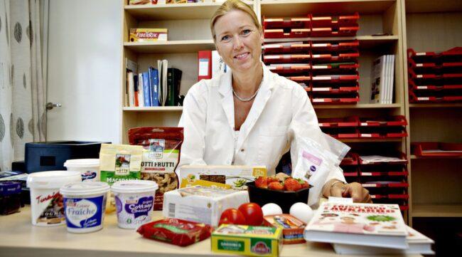 Läkaren Sofie Hexeberg menar bland annat att diabetiker kan vinna på en förändrad kost.