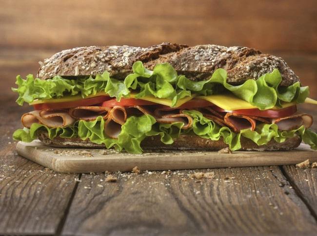 <span>Brödsuget kan du bli av med med till exempel kött eller jordnötssmör.</span>