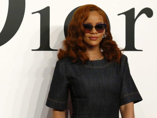 """Rihanna i den trendiga hårfärgen """"Ronze"""""""