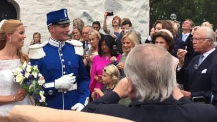 Kungaparet var också gäster. Till höger i bild syns kungen och drottningen, som blåser såpbubblor. Foto: JONAS SVEDIN
