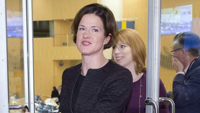 """Efter söndagens tv-debatt pekades Annie Lööf ut som den verkliga oppositionsledaren – men nu höjer Anna Kinberg Batra tonläget mot regeringen och hotar med nyval: """"Sverige behöver en ny regering."""" Foto: Sven Lindwall"""